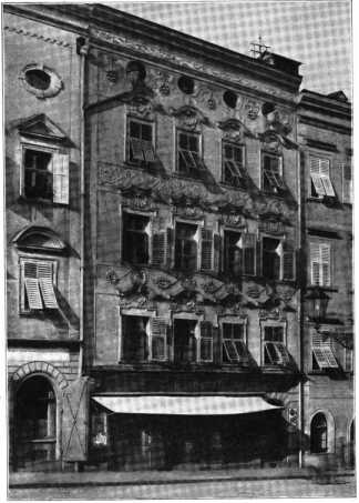 Fig. 432. Haus am Residenzplatz. (512)